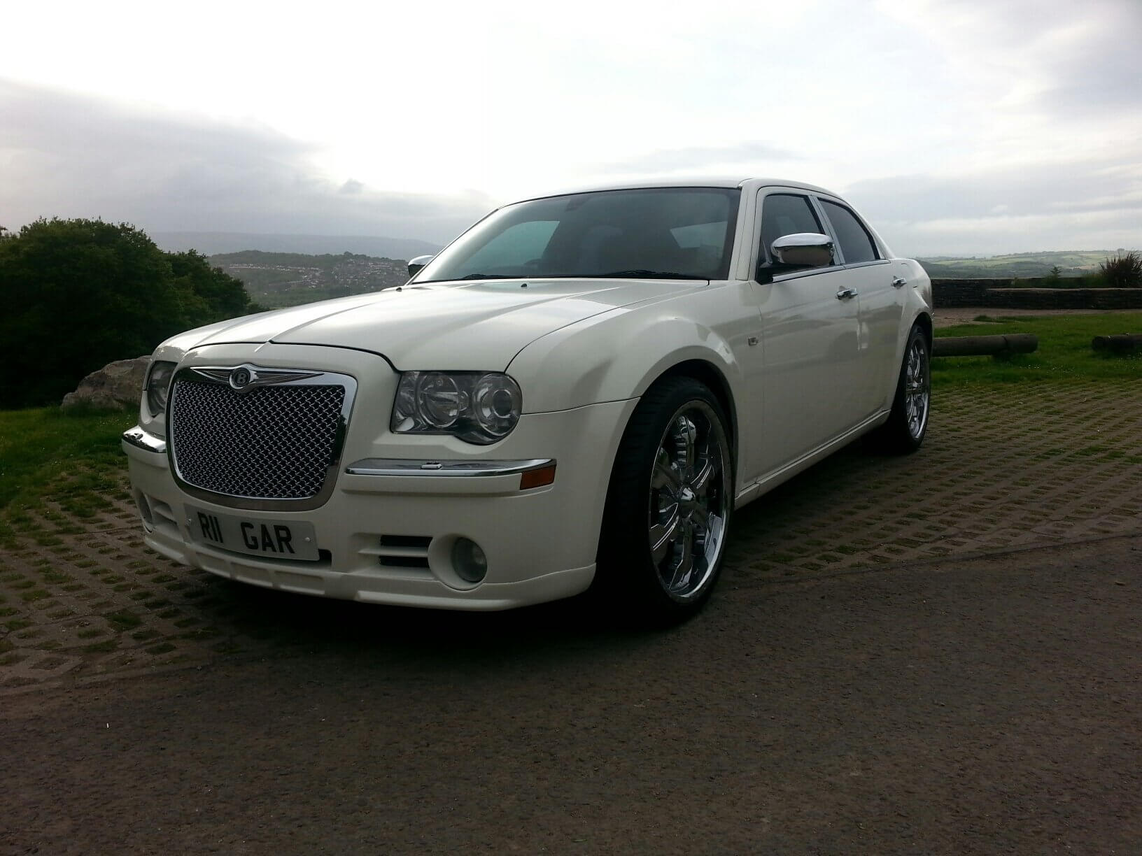 chrysler 300c baby bentley limousine and limo hire cardiff. Black Bedroom Furniture Sets. Home Design Ideas